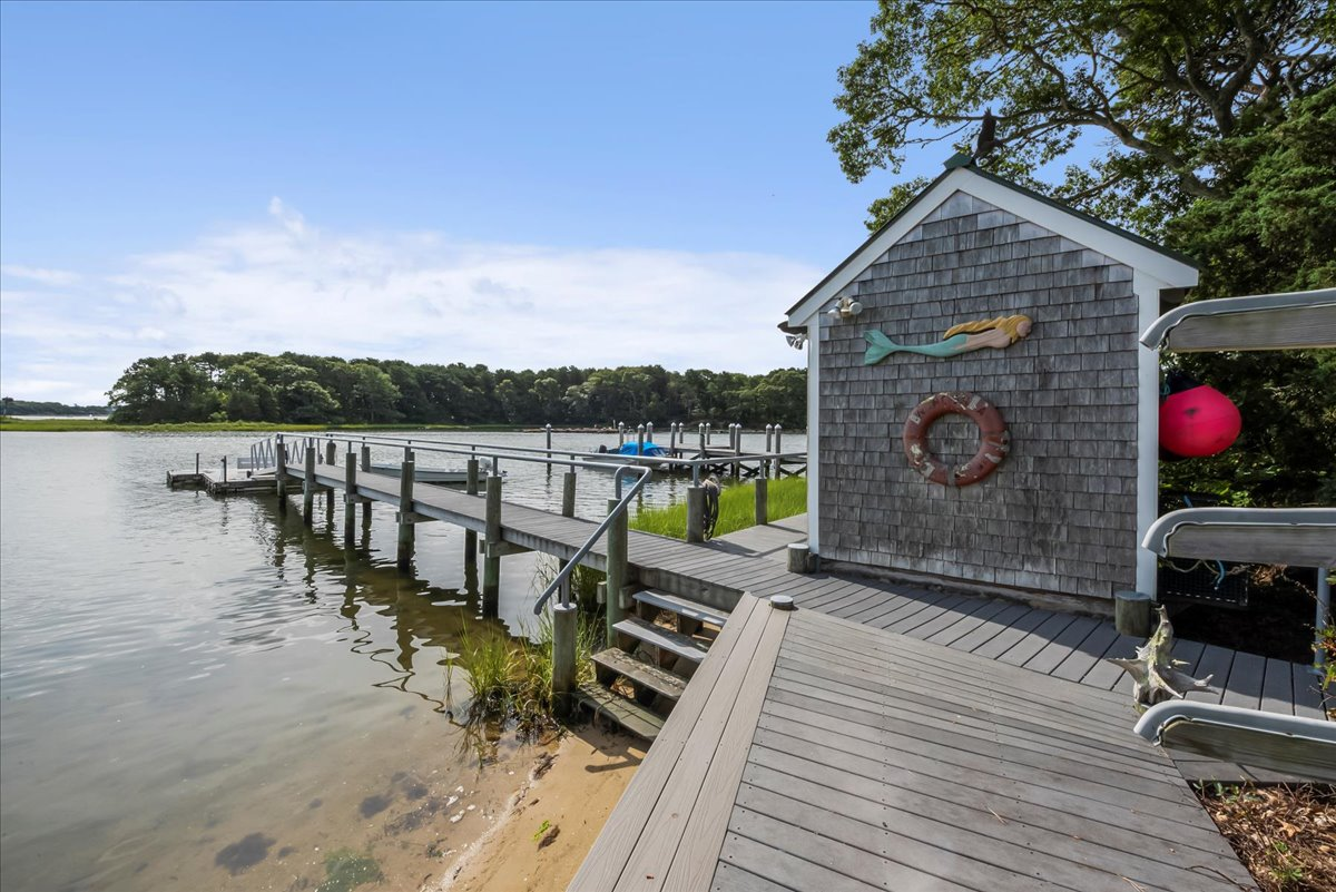 124 seapit Road, East Falmouth, MA | Listed By Griffin Realty Group |MLS #22105031